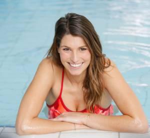 Laury Thilleman : sirène bombesque en bikini au milieu des tortues
