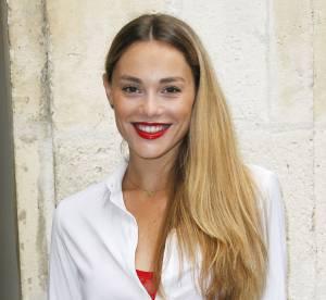 Joy Esther : bikini et jacuzzi, les vacances sexy de jolie blonde