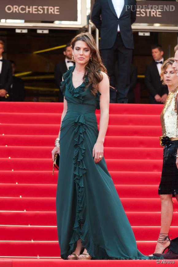 Au Festival de Cannes, en 2012, Charlotte Casiraghi ensorcèle la Croisette.