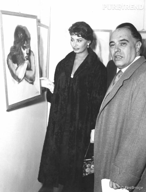 En privé, Sophia Loren ne collectionne pas les amants. En 1957, elle épouse son pygmalion, Carlo Ponti, de 22 ans son aîné. Ils resteront ensemble jusqu'à la mort de ce dernier, en 2007.