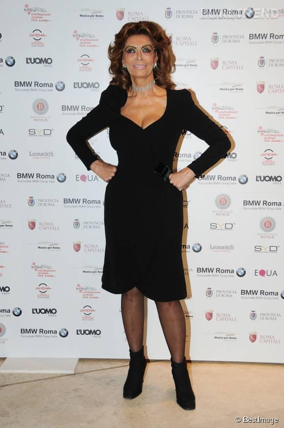 Wonder Woman ? Non, Sophia Loren à l'hommage rendu en 2011 à Carlo Ponti, à Rome.