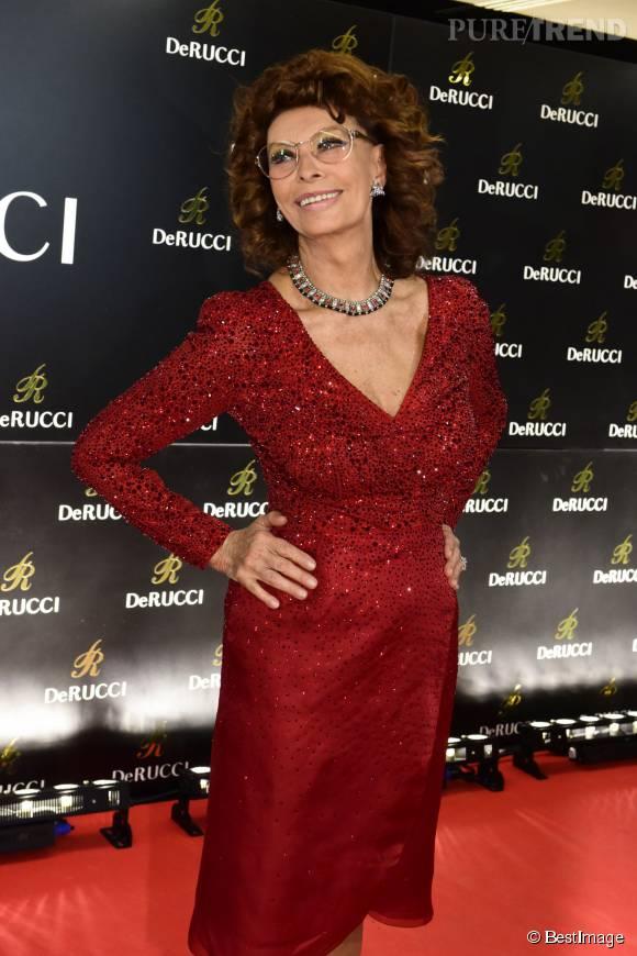 A 81 ans, Sophia Loren laisse toujours autant s'exprimer la diva qui est en elle.