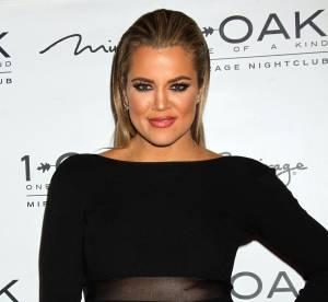 Khloe Kardashian : toutes fesses dehors, son pantalon menace de craquer