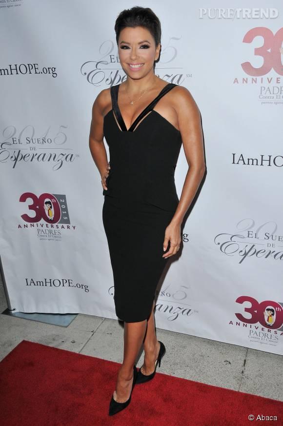 Eva Longoria sur le red carpet d'un gala de charité : c'est devenu sa grande spécialité.