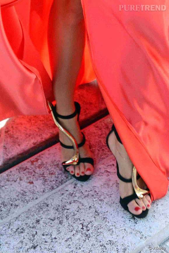 Miranda Kerr arborait des escarpins Giuseppe Zanotti pour sa deuxième tenue.