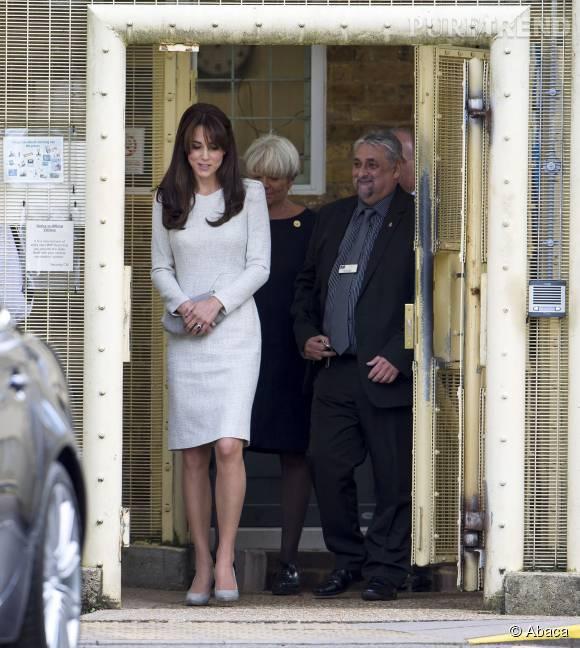 Kate Middleton visite la prison pour femmes HMP Send le 25 septembre 2015.