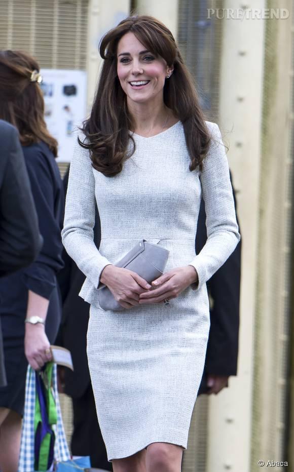 Kate Middleton, frange au vent. Pour une fois que ce n'est pas sa jupe.