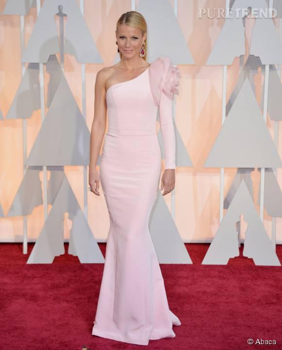 Gwyneth Paltrow, renversante dans sa robe rose poudré en 2015