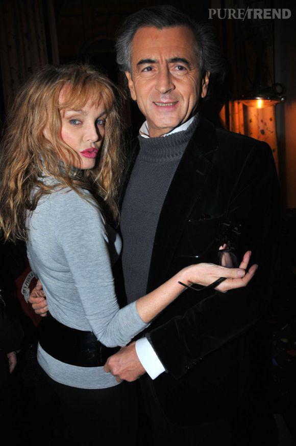 Arielle Dombasle et Bernard-Henri Lévy, un couple mythique et prêt à tout pour se protéger des critiques.