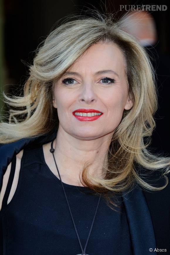 L'ex-Première dame apparaît blonde platine et très rajeunie.