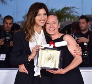 """Maïwenn et Emmanuelle Bercot, récompensée du prix d'interprétation féminine au Festival de Cannes 2015 pour """"Mon roi""""."""