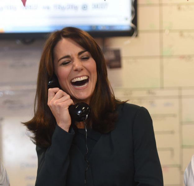 Kate Middleton a usé de ses charmes au téléphone... Se faisant rappeler à l'ordre par William !