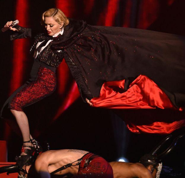 Madonna nous a gratifiés d'une très belle chute en 2015 !