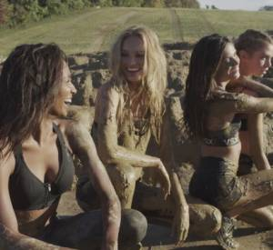 Les Anges Victoria's Secret en plein Mudder Challenge.