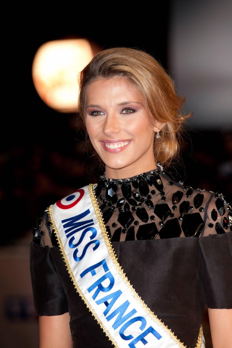 Camille Cerf, Miss France 2015, vit ses derniers jours de règne.