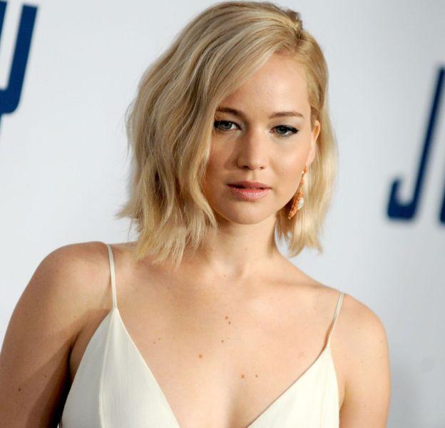 """Jennifer Lawrence, virginale pour la première new-yorkaise de """"Joy"""", en salles le 30 décembre."""