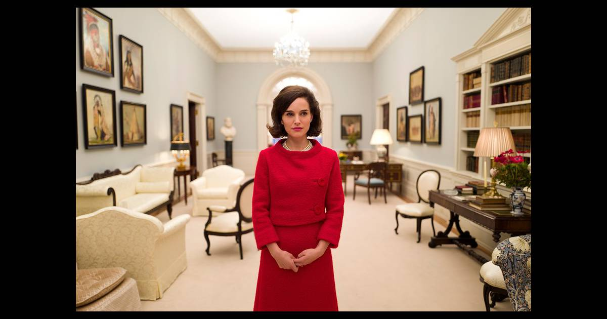 natalie portman dans la peau de jackie kennedy la premi re photo bluffante. Black Bedroom Furniture Sets. Home Design Ideas