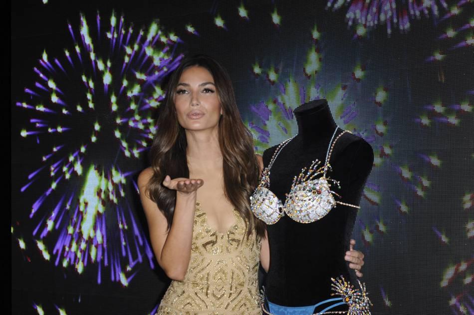 Victoria's Secret célèbre l'esprit de Noël en chanson.