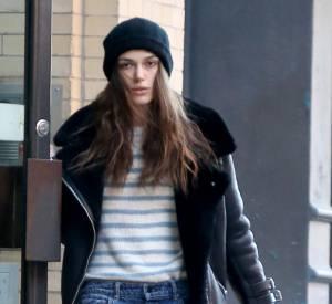 Keira Knightley et son look très étudié dans les rues de New-York ce week-end.