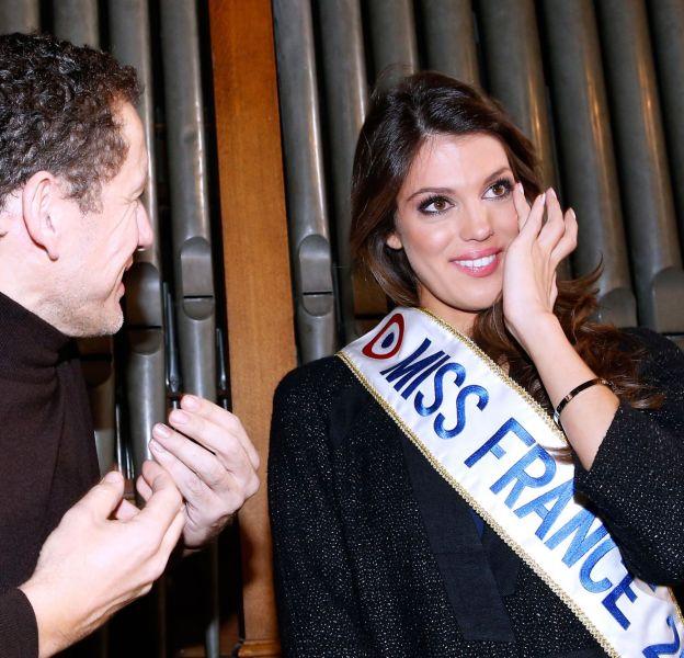 """Miss France 2016 très émue lors de sa rencontre avec Dany Boon à l'Institut National des Jeunes Aveugles à Paris pour le tournage du film """"Radin !"""" le 21 décembre 2015."""