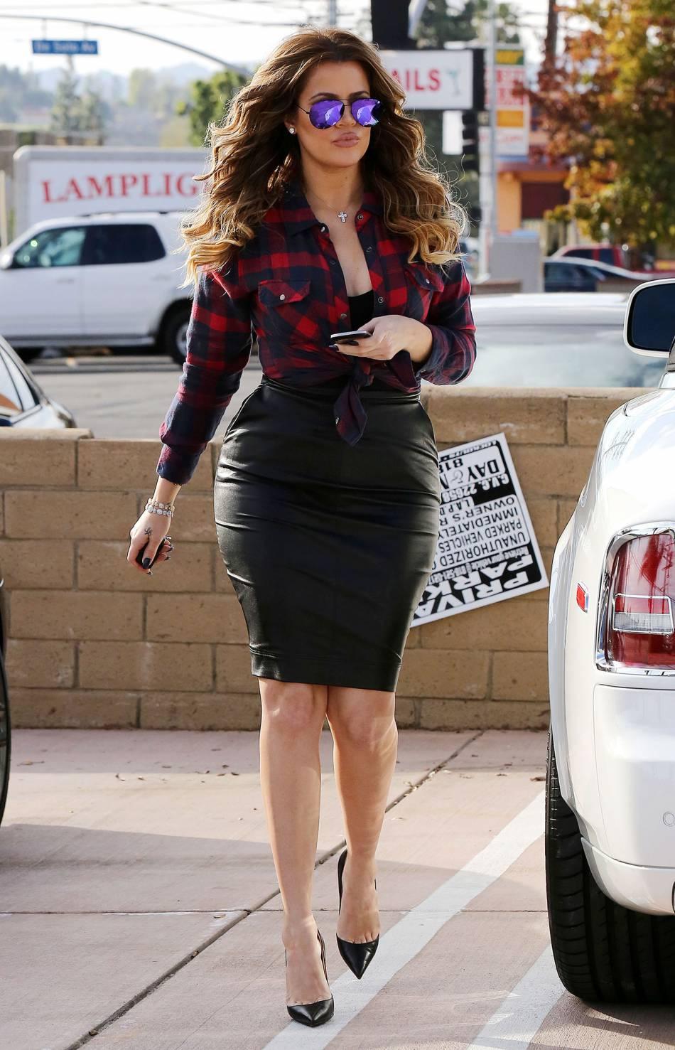 Khloe Kardashian toujours plus hot, elle enchaîne les shootings sexy.