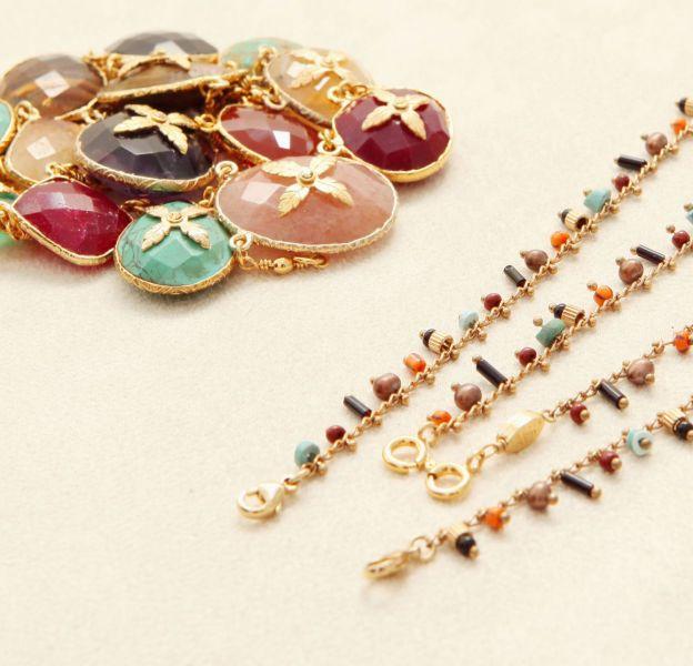Gas Bijoux propose de personnaliser le collier Scapulaire serti.