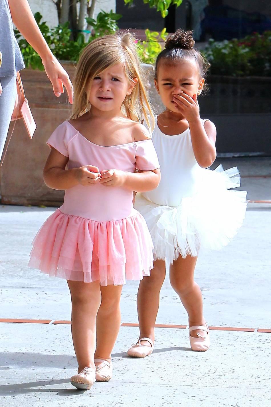 Penelope Disick et North West, adorables ballerines.