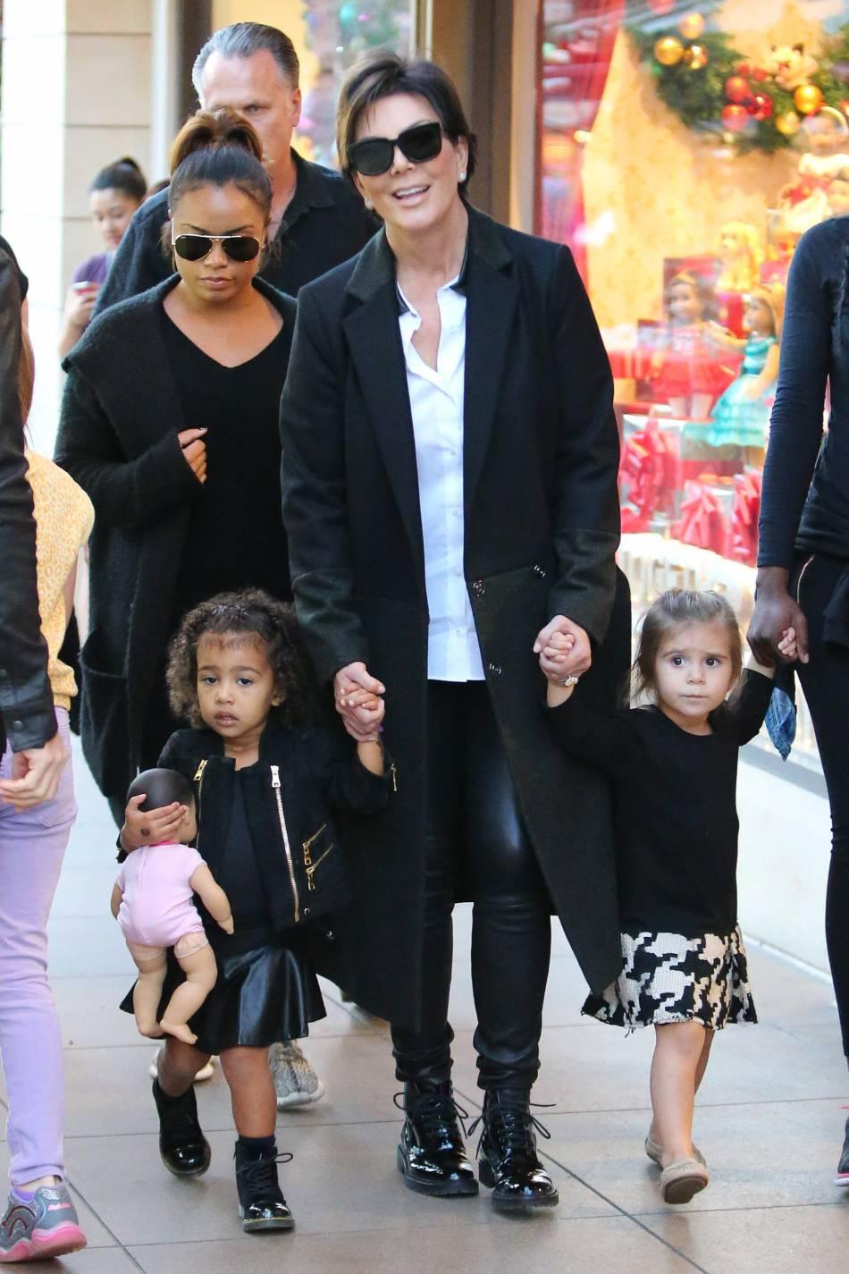 Kris Jenner et ses petites filles.