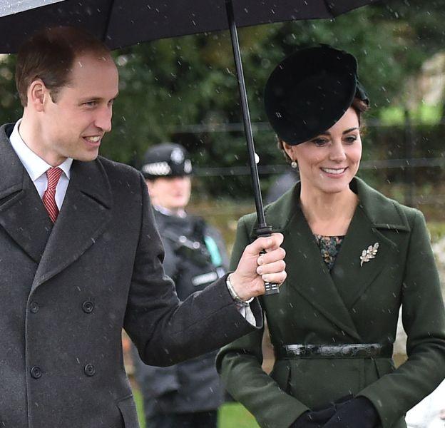 Kate Middleton et le Prince William au sortir de la messe de Noël ce vendredi 25 décembre 2015.