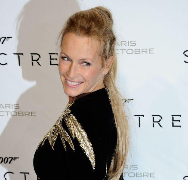 À 49 ans, Estelle Lefébure est toujours plus jolie et plus sexy.