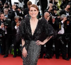 Julianne Moore en Armani Privé et bijoux Chopard au Festival de Cannes 2015.