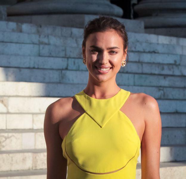 Irina Shayk dévoile sa poitrine et c'est tout sur Instagram.