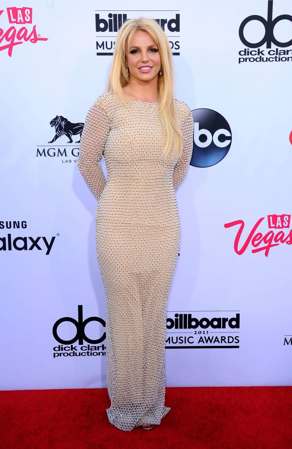 Britney Spears porte toujours des robes aussi moulantes...