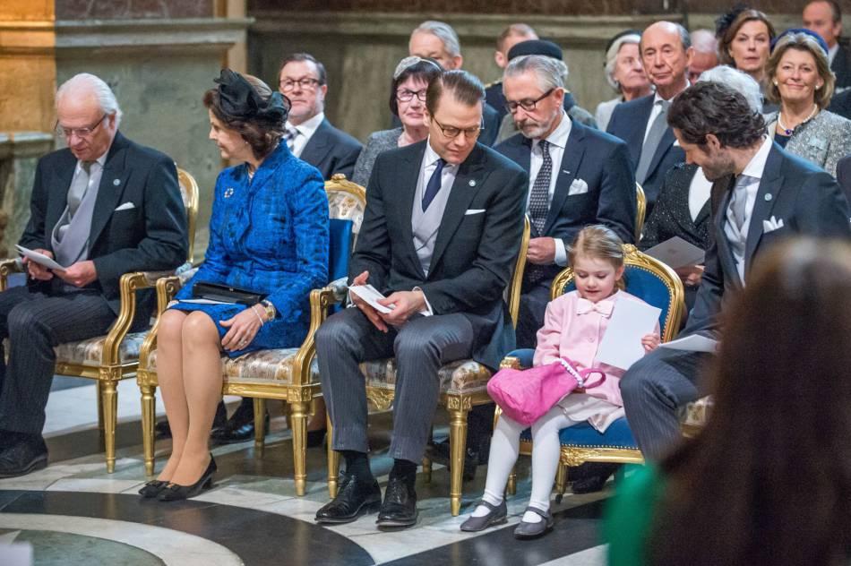 Le prince Daniel, Estelle et le prince Carl Philip lors de la messe donnée en l'honneur du nouveau-né.