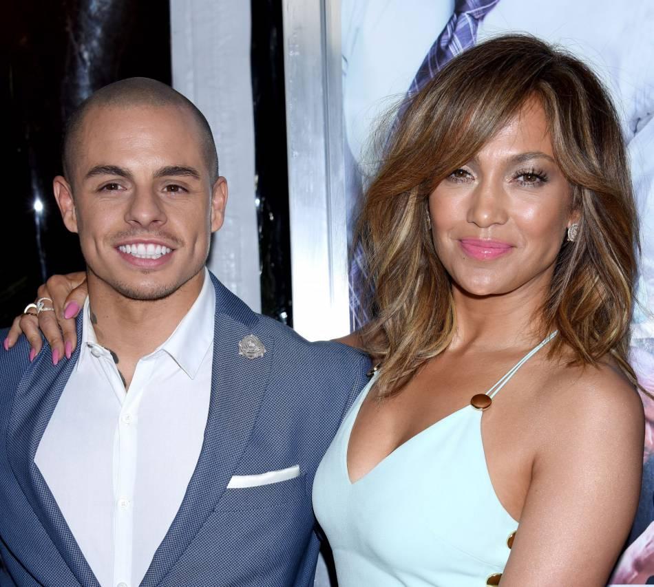 Jennifer Lopez et Casper Smart : un couple complice sur le red carpet.