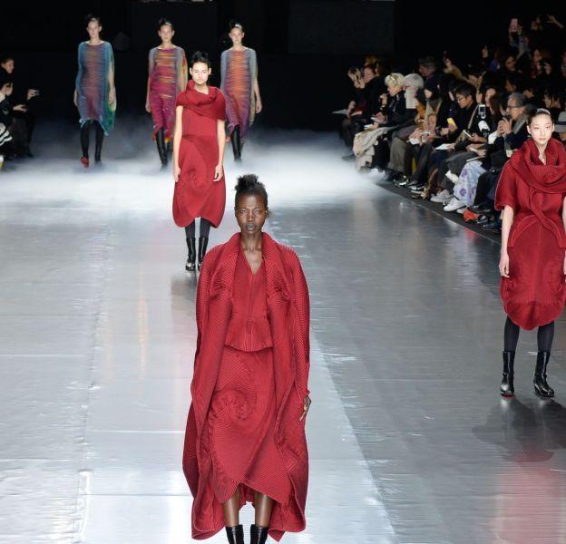 Défilé Issey Miyake à la Fashion Week de Londres.