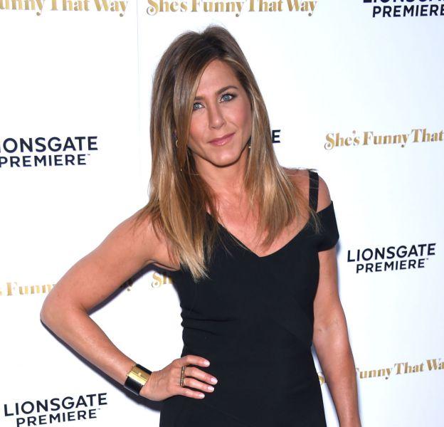 Jennifer Aniston est la covergirl du nouveau numéro du Harper's Bazaar du mois d'avril.