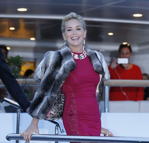 Sharon Stone a beau avoir 58 ans, elle est toujours aussi canon.