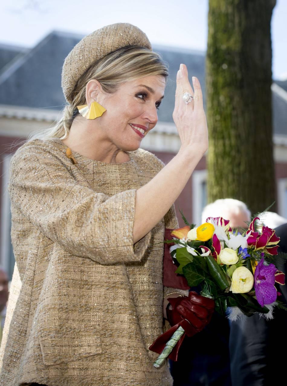 Maxima des Pays-Bas radieuse, elle affiche un sans-faute pour sa tenue.