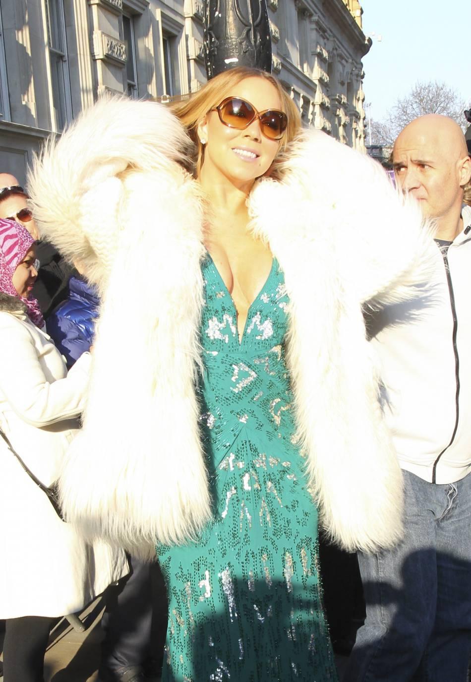 Mariah Carey continue sa tournée à Londres et arrive ce jeudi 17 mars 2016 au Corinthia Hôtel.