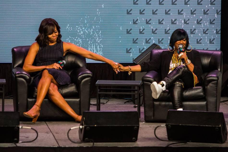 Michelle Obama, main dans la main avec Missy Elliott au South by Southwest Festival.