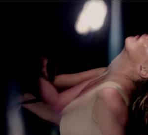 """Kate Moss dans le nouveau clip de Massive Attack """"Ritual Spirit"""" en collaboration avec Azekel."""
