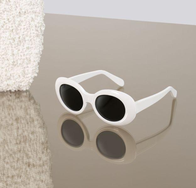 Acne Studios laisse la lunette Mustang dans sa sélection.