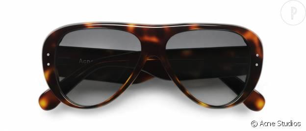 Bienvenue au modèle Indy qui fait son entrée dans la grande famille des lunettes de soleil Acne Studios.
