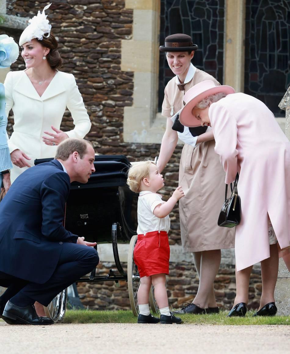 "Le prince George appelle la reine ""Gan-Gan""."