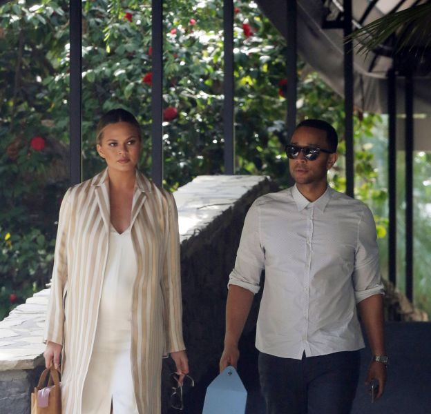 Chrissy Teigen et son époux John Legend à l'hôtel Bel Air à Los Angeles.