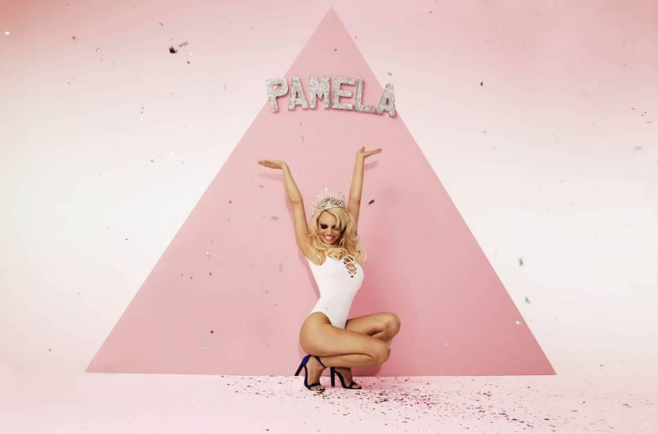 Pamela Anderson est la pin-up décomplexée de Missguided.