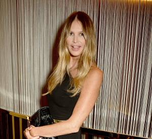 Elle Macpherson : dentelles et transparence à la soirée Vogue...