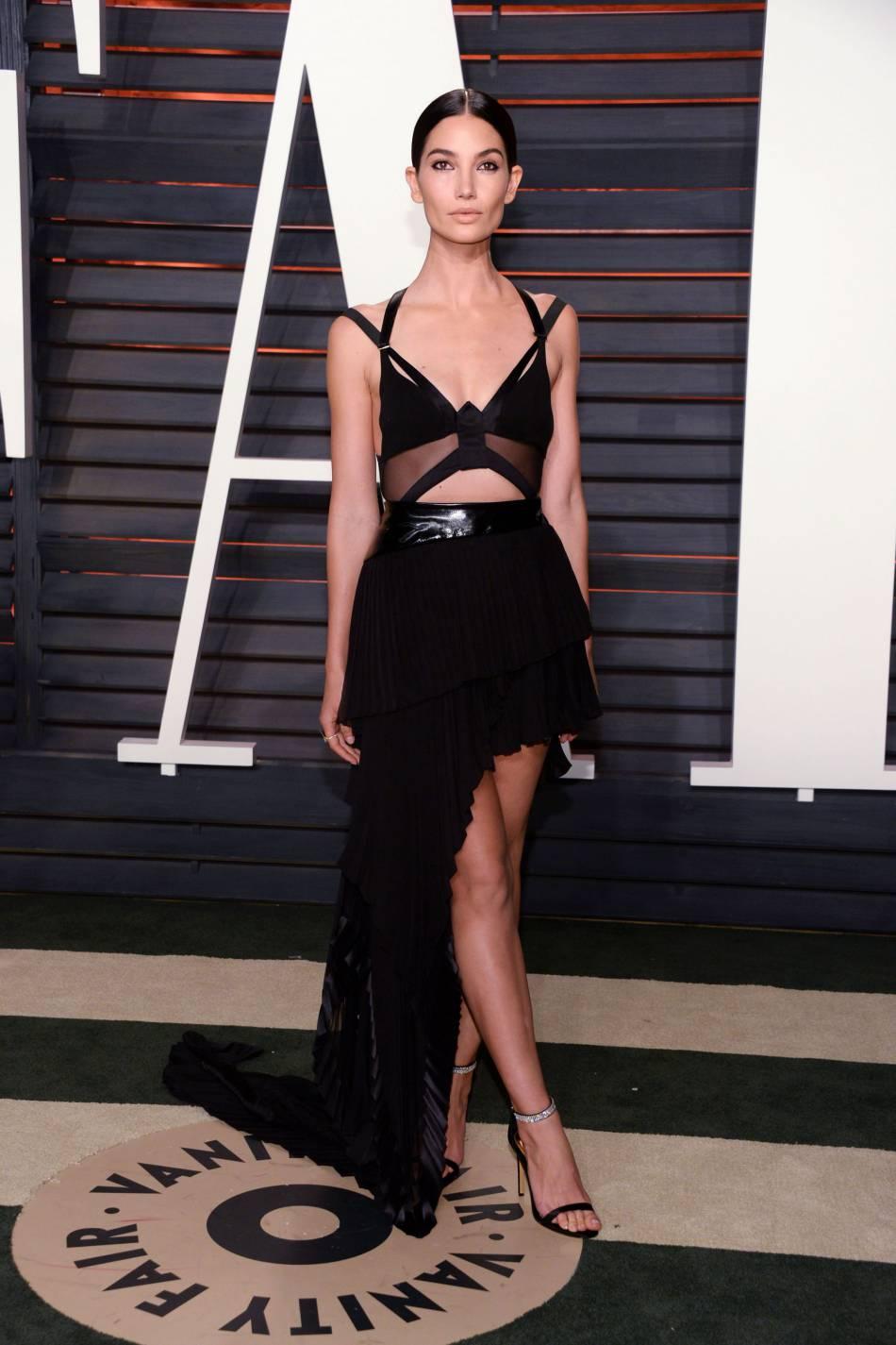 Lily Aldridge se dévoile en lapine sexy pour  Love Magazine .