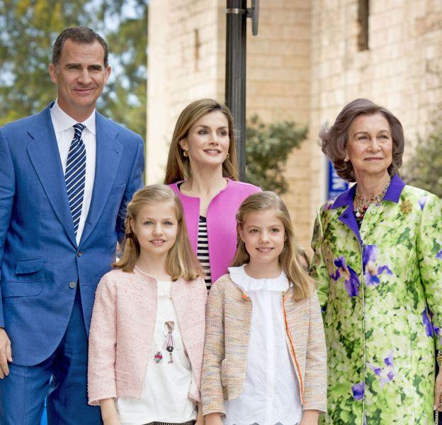 La reine Letizia d'Espagne et sa famille au complet
